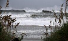 Foto: ASV Dienvidkarolīnas štatu skārušas pirmās 'Florensas' brāzmas un lietusgāzes