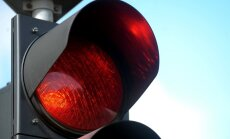 Luksoforu bojājumus aicina atzīmēt 'Waze' aplikācijā