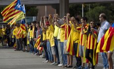 Spānijas valsts padome par nelikumīgu atzīst arī simbolisko balsojumu par Katalonijas neatkarību