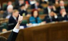 Saeima konceptuāli atbalsta ierobežojumus partiju ziedotājiem