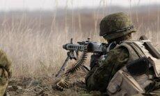 Par nelikumīgu iekļūšanu armijas bāzēs rosina piemērot līdz 2000 eiro sodu