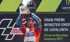 Itālijas motobraucējs Dovicioso izcīna otro 'MotoGP' uzvaru pēc kārtas