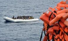 Ministrs: NVO imigrantu glābšanas kuģi var aizmirst par Itālijas ostām