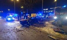 ФОТО: В тяжелой аварии на Бривибас гатве пострадали пять человек