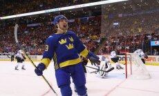 Zviedrijas hokejisti nodrošina iekļūšanu Pasaules kausa pusfinālā