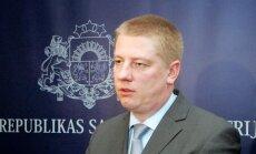 Arī Matīsam ir neoficiāla informācija par Krievijas plāniem apturēt kravas caur Rīgas ostu