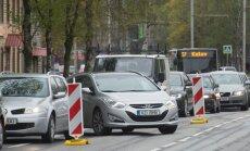 Igaunijā Krievijas vēstniecības darbinieki turpina pārkāpt ceļu satiksmes noteikumus