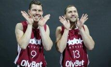 Foto: Latvijas basketbola izlase draiskojas fotosesijā