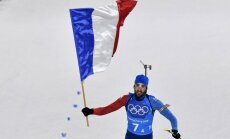 Francijas biatlonisti uzvar jauktajā stafetē; Furkāds iegūst trešo zeltu Phjončhanā
