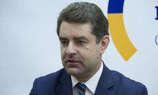 Ja Krievijas agresija netiks apturēta Donbasā, to var nākties darīt jau pie ES robežām, atzīst vēstnieks