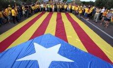 Spānija bloķē simbolisko Katalonijas balsojumu par neatkarību