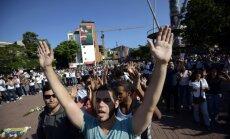 Venecuēlas valdība nosūta desantniekus uz studentu protestu epicentru