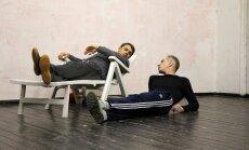 Ģertrūdes ielas teātrī top Andra Kalnozola izrāde 'Aizvakar vienmēr'