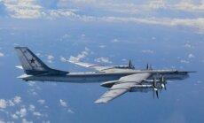 Krievija apstiprina iznīcinātāju un bumbvedēju 'lidināšanos' Aļaskā