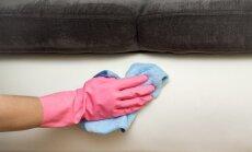 Rakstniecības pēdas uz ādas mēbelēm – kā nomazgāt tintes švīkas