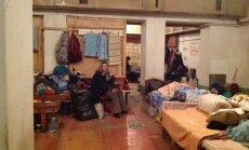'Vairs nezini, kur likties' - izdzīvojušo ikdiena Ukrainas bumbu patvertnē