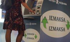 Latvijā skaidras naudas iemaksu bankomātos pērn iemaksā 729,5 miljonus latu