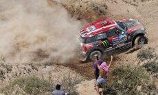 Dakaras rallija trešajā posmā uzvarētāju maiņa