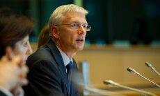 Lielākā EP frakcija ievēl Kariņu par atbildīgo enerģētikas politikas jomā
