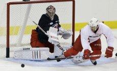 Rīgas 'Dinamo' pievienojas hokeja Slavas zālē uzņemta amerikāņu hokejista dēls