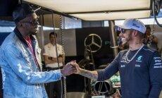 Video: Lūiss Hamiltons sagādā Useinam Boltam neaizmirstamas sajūtas F-1 trasē Ostinā