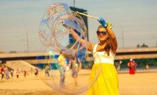 Foto: Lucavsalā krāsainā festivālā 'Helsus' pulcējas veselīga dzīvesveida entuziasti