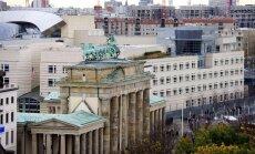 Vācija Merkeles izspiegošanas dēļ varētu izraidīt ASV diplomātus