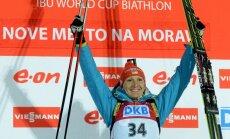 Ukrainiete Pidrušna negaidīti kļūst par pasaules čempioni; Latvijas biatlonistēm vietas lejasgalā