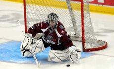 Gudļevskis palīdz 'Rīgas' hokejistiem uzvarēt Podziņa pārstāvēto 'Ruskije vitjazi'