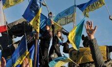 100 000 pulcējas Kijevā; opozīcija aicina Neatkarības laukumā sagaidīt Jauno gadu