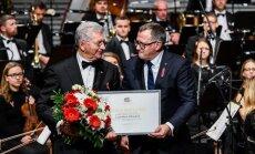 Foto: Liepājā pasniedz 2016. gada Ministru kabineta balvas