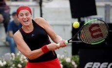 Ostapenko bez grūtībām iekļūst Īstbornas WTA turnīra ceturtdaļfinālā, Sevastova piekāpjas Kasatkinai