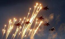 Video: Pieaugusi Baltkrievijas armijas manevru aktivitāte; bažīgi vēro Ukrainu un NATO