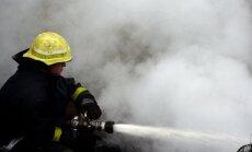 VUGD nodzēš sadzīves mantu ugunsgrēku daudzstāvu mājas lodžijā un dzīvoklī