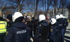В Латвию не впустили антифашистов из Германии