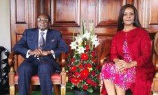 Foto: Mugabe gaužām pieticīgi atzīmējis 94. dzimšanas dienu