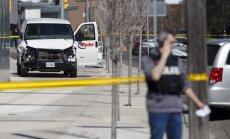Autofurgons Toronto uzbrauc gājējiem; vismaz deviņi bojāgājušie