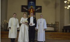 Igaunijas prezidents mijis gredzenus ar mīļoto Ievu