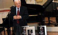 Fotoreportāža: Maestro Pauls nosvin biogrāfijas izdošanu