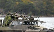 Zviedrija plašā militārā operācijā turpina meklēt ārvalstu zemūdeni