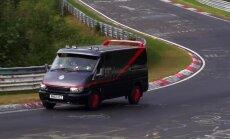 Video: Autobusi un miniveni Nirburgringas trasē