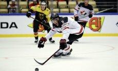 Kanādas izlases uzbrucējs PČ spēli pret Vāciju aizvadījis aizlienētā ekipējumā