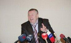 Video: Žirinovskis preses konferencē rupji apvaino grūtnieci