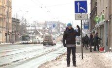 'Zebra': Kam priekšroka, uzbraucot uz Gaisa tilta Rīgā
