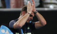 Vavrinkam bezcerīgs zaudējums 'Australian Open' otrajā kārtā; Tīmam smaga uzvara četrās stundās