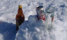 PET un stikla pudeles varēs nodot īpašos aparātos no 2015.gada