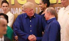 Kremlis paziņo, ka trešajā valstī notiks Putina un Trampa tikšanās