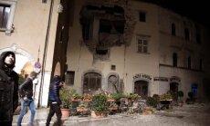 Itālijas vidieni satricina trīs zemestrīces; desmitiem ievainoto