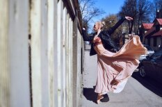 Neticami skaisti foto: Balets iznāk Rīgas ielās