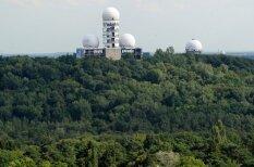 Pamestais un huligānu apsēstais ASV noklausīšanās tornis Berlīnē